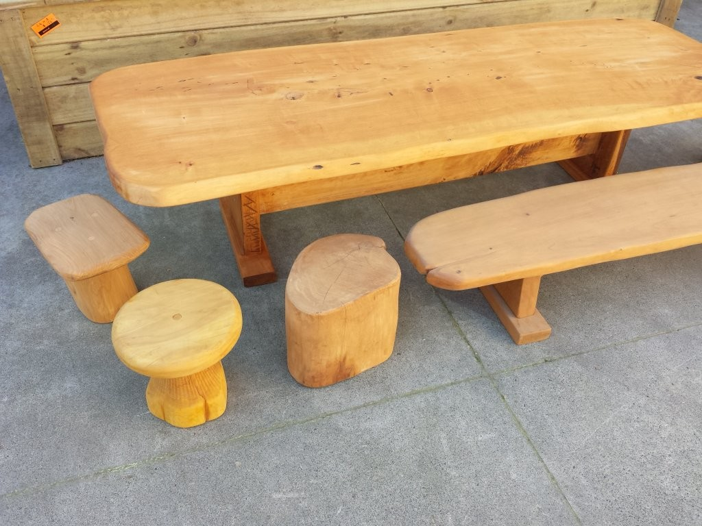 Kotare In Tables-benches-chairs